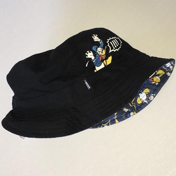 67eb9e4d067a9 VANS Donald Duck Bucket Hat Reversible disney. M 5abe7e6f2c705d8d4225b6e3